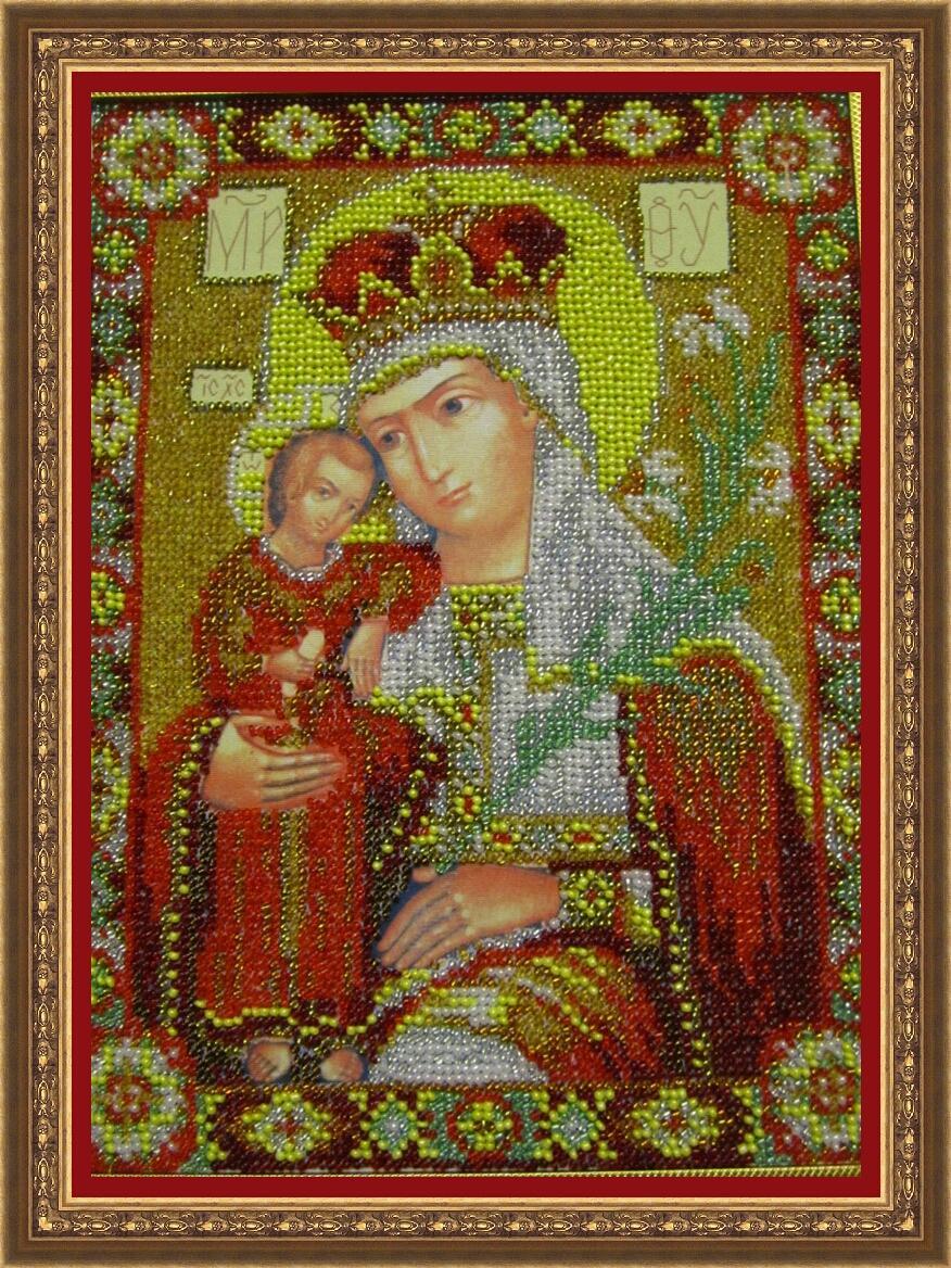 """Перед иконой  """"Неувядаемый Цвет """" молятся прежде всего о том, чтобы сохранить себя в чистоте и праведности, а так же о..."""